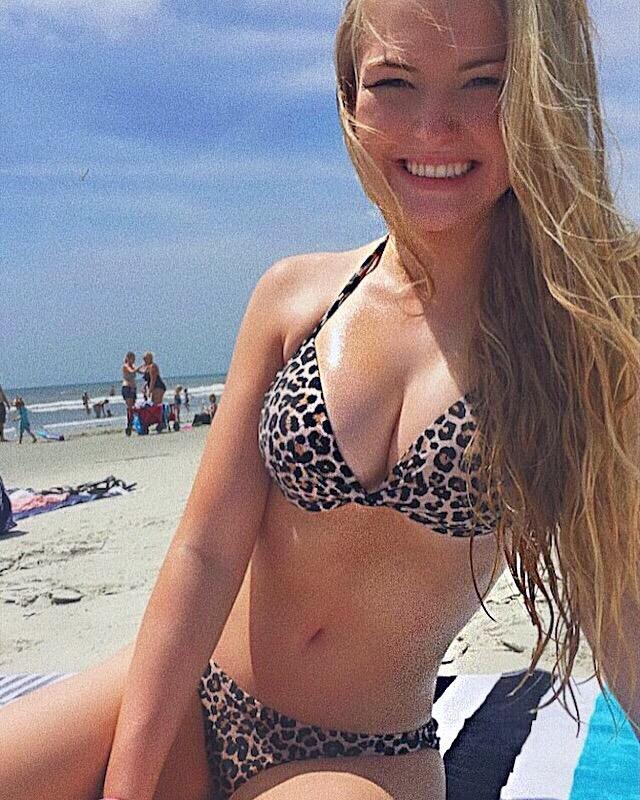 Ładna na plaży
