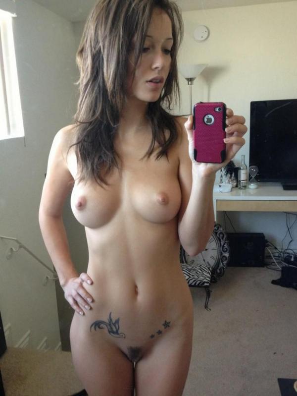 Z sexy tatuażem