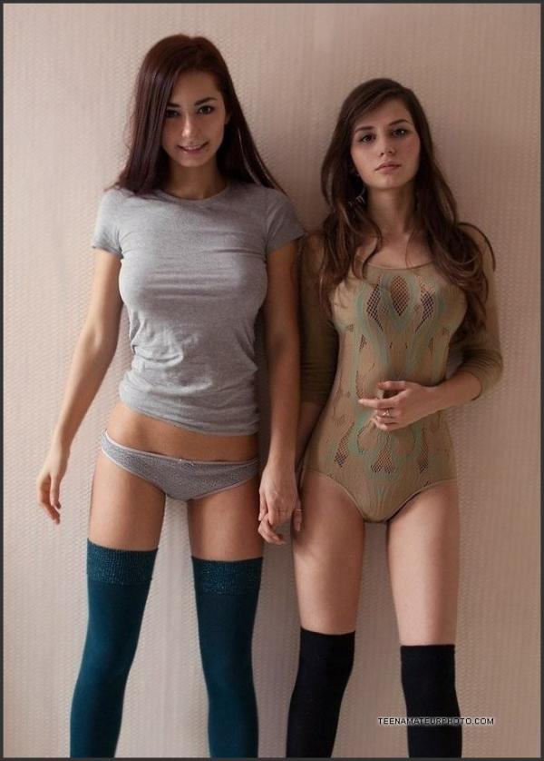 Dwie seksowne kocice